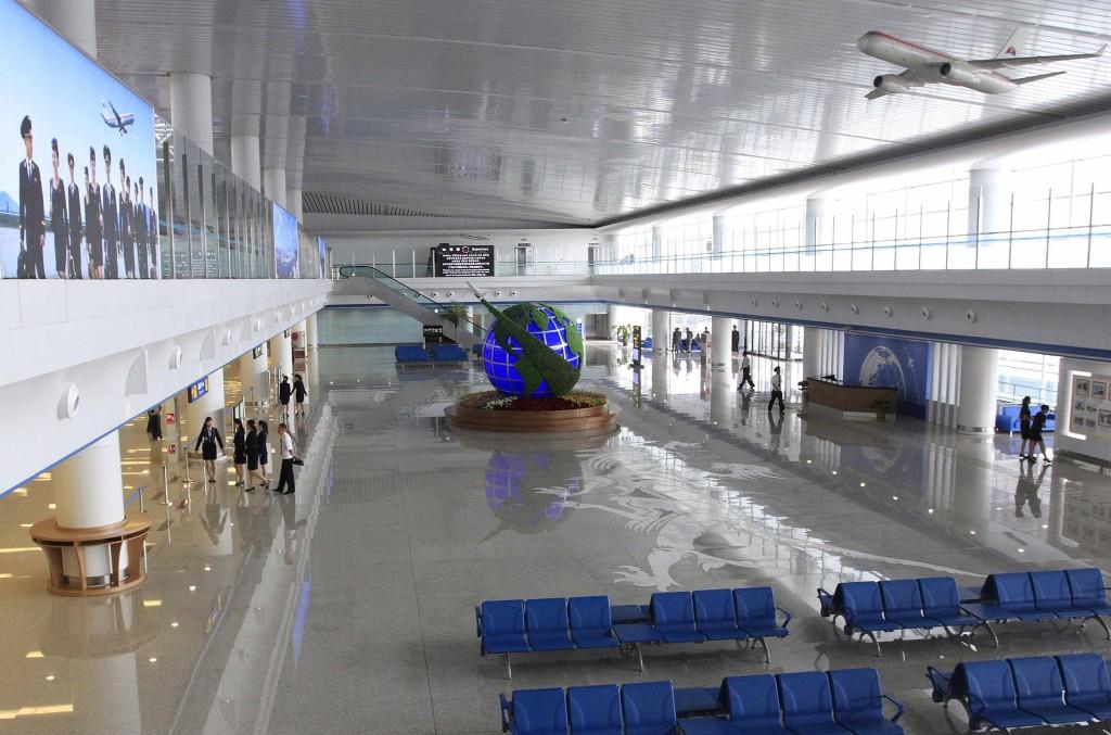 Аэропорт Пхеньяна внутри