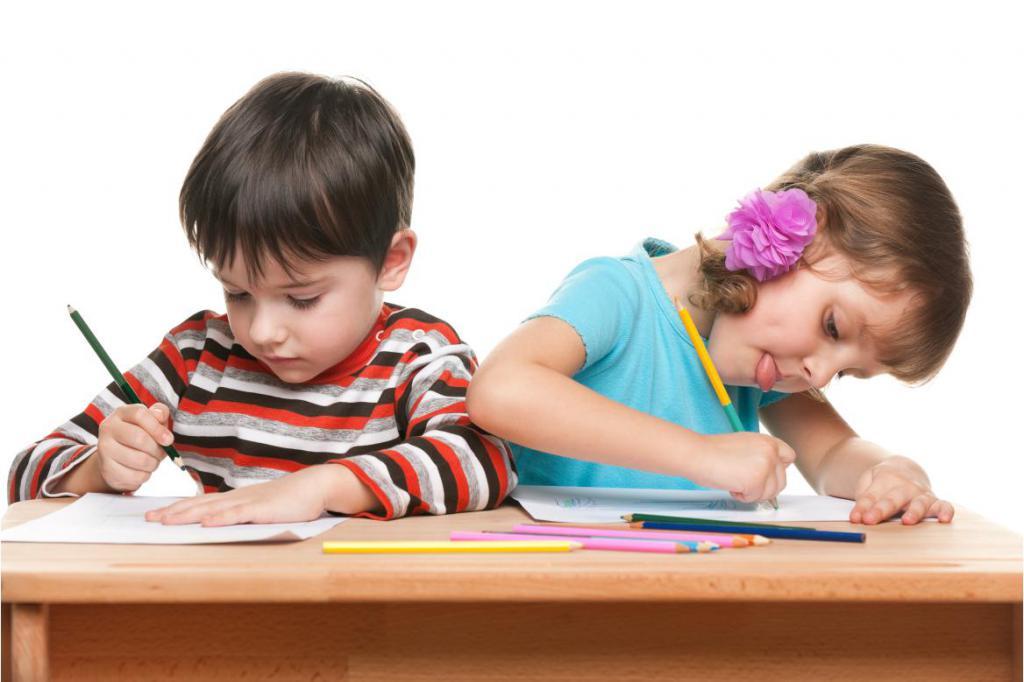 Дети учатся писать