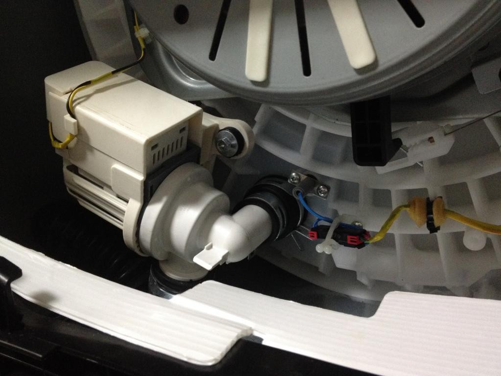 Система слива стиральной машины