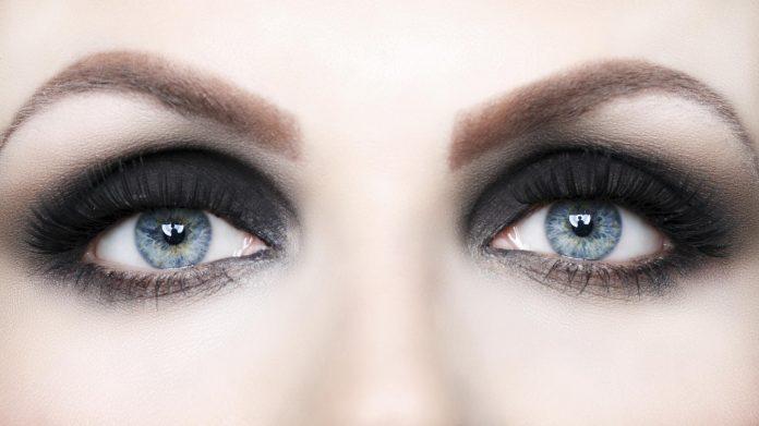 техника smoky eyes