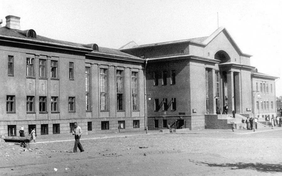 Училище в Латвии