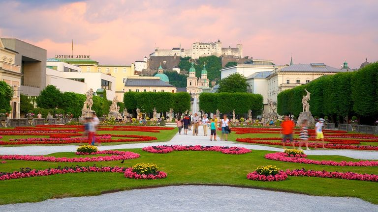 Дворец Мирабель Зальцбург