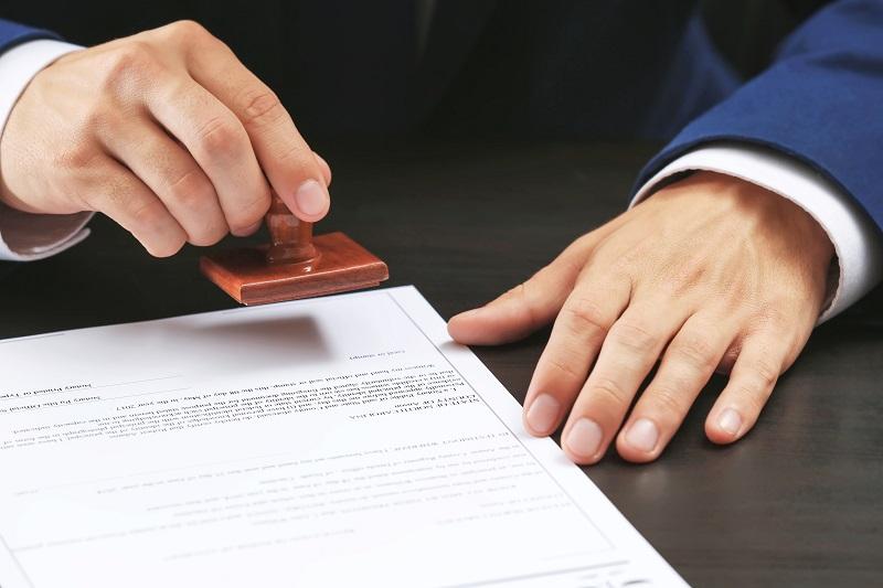 Обращение к нотариусу для оформления соглашения на покупку квартиры