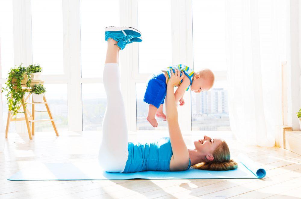 Занятие спортом с младенцем