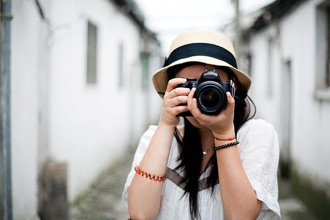 Фотограф в шляпе