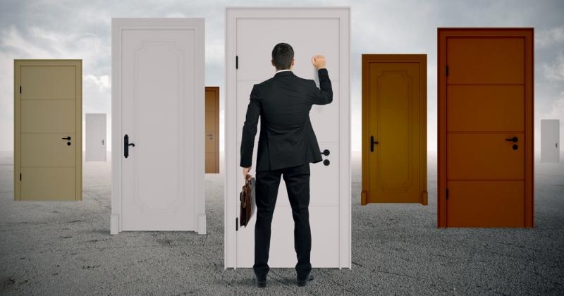 как выбить долг с человека