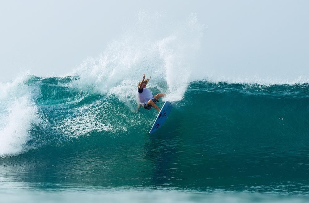 профессиональный серфинг на Шри-Ланке