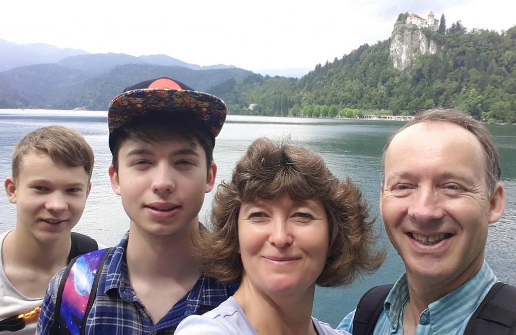 Семья из Словении