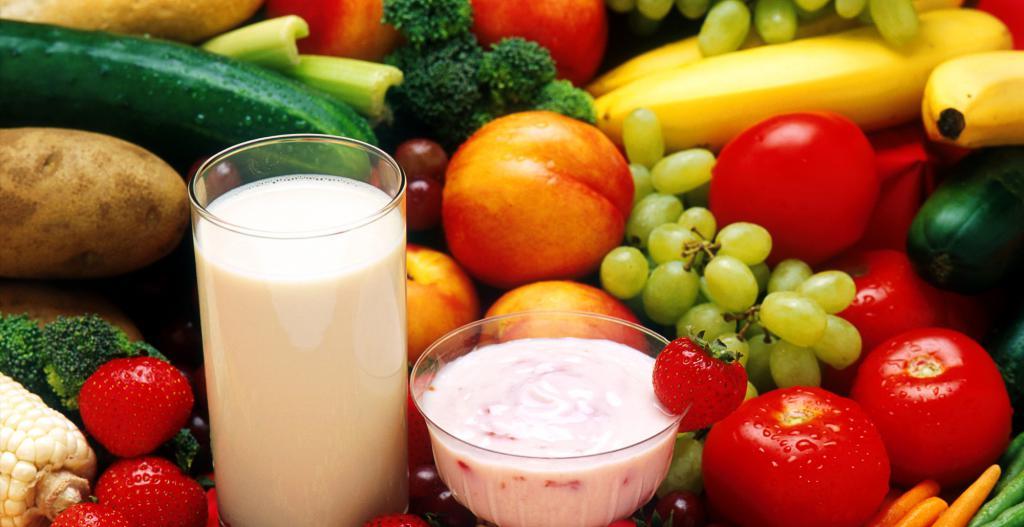 фрукты и кисломолочные продукты