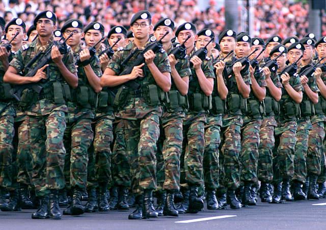 строевая подготовка вооруженных сил сингапура