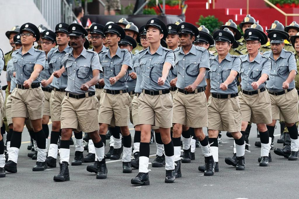 парад в честь независимости сингапура