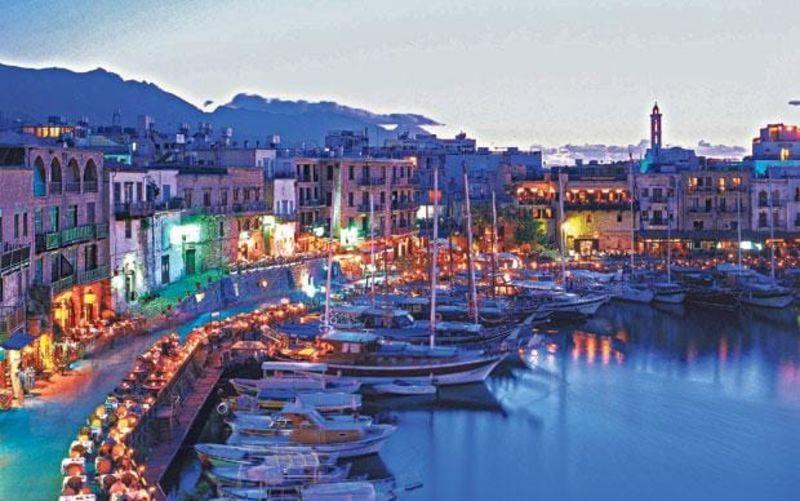 Кипр ночью