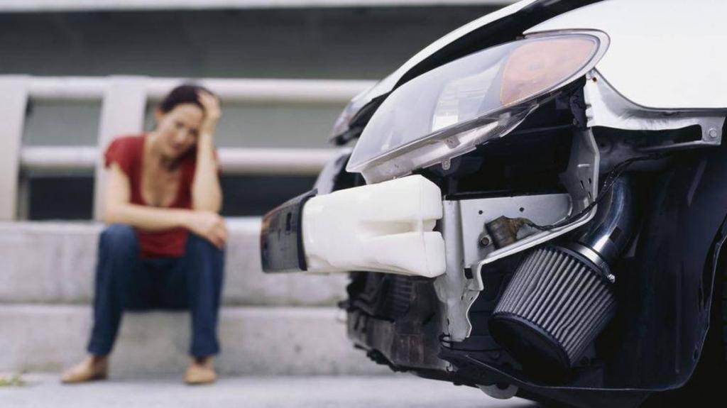 девушка попала в аварию