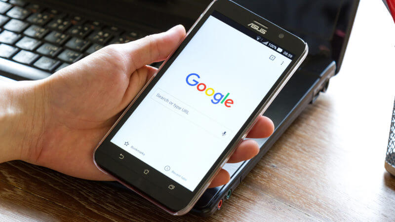 смартфон с браузером