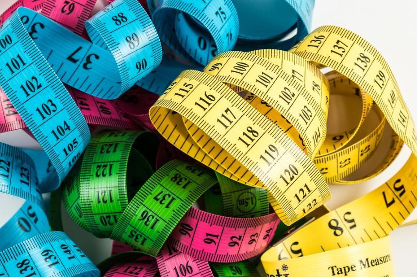 Разноцветные сантиметры