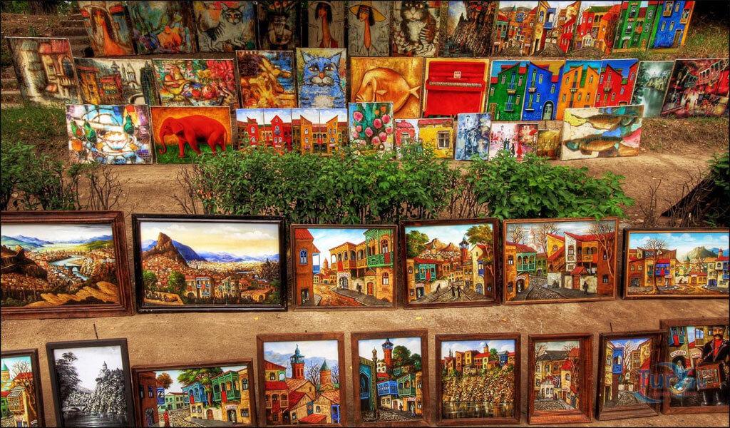 Картины на мосту