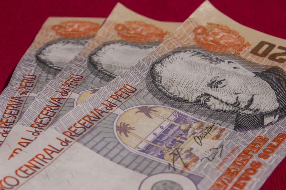 Перуанская национальная валюта