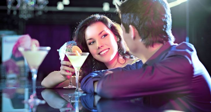 как познакомиться с девушкой в клубе