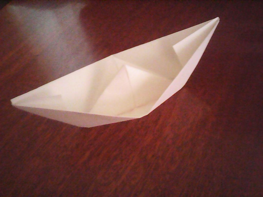 Обычный кораблик