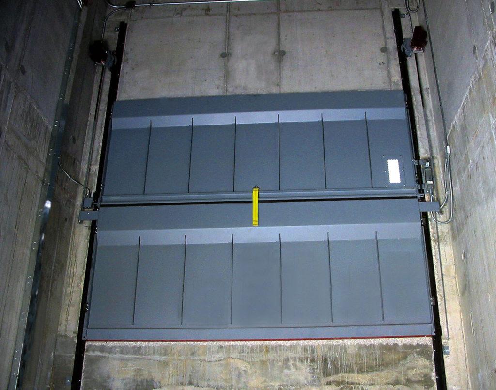 лифт в жилом доме фото