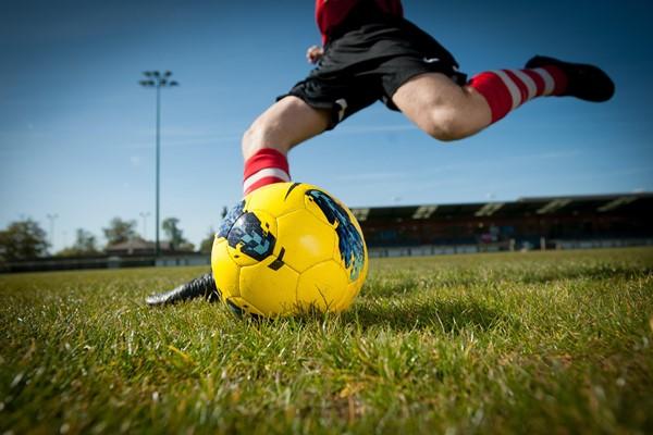 к чему снится играть в футбол девушке