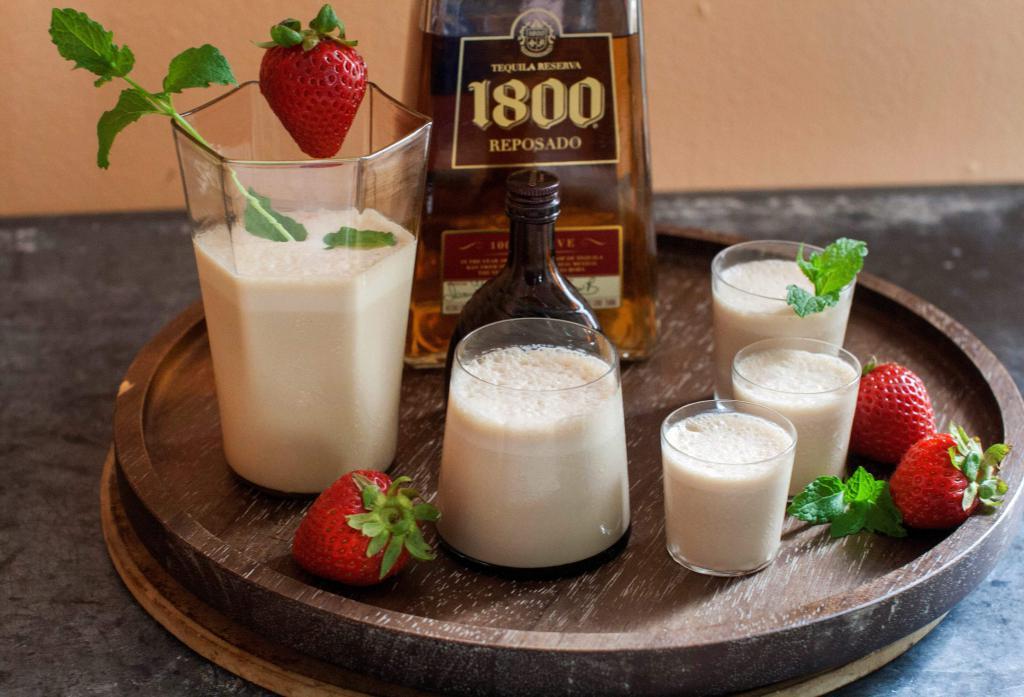 молочный коктейль плюс алкоголь
