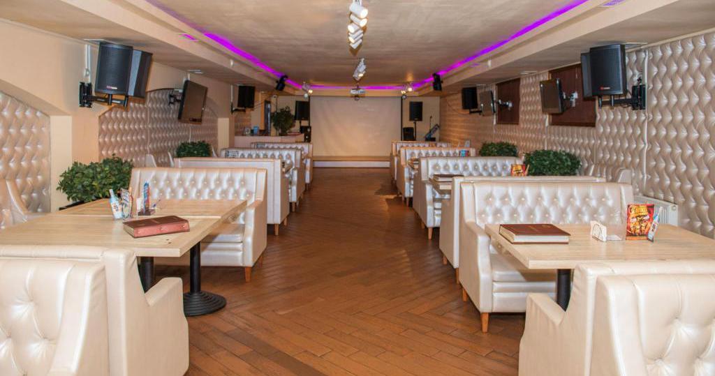 караоке-зал в ресторане