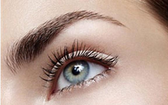 Цвет бровей для голубых глаз