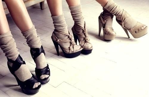 туфли с открытым носком с носками