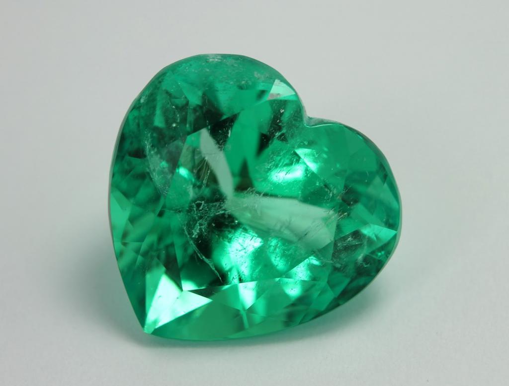 Камень Изумруд