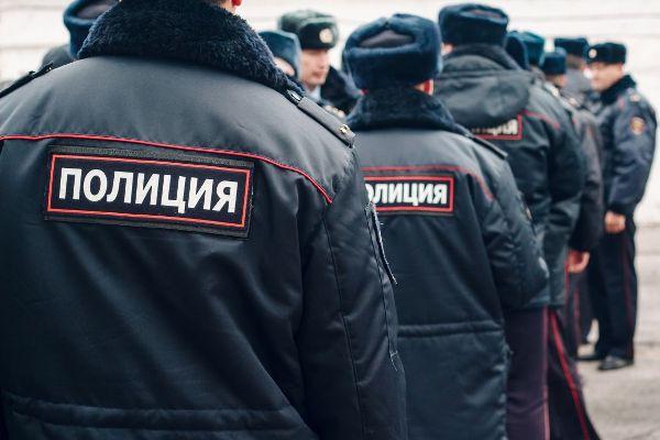 какая зарплата у полицейского в москве