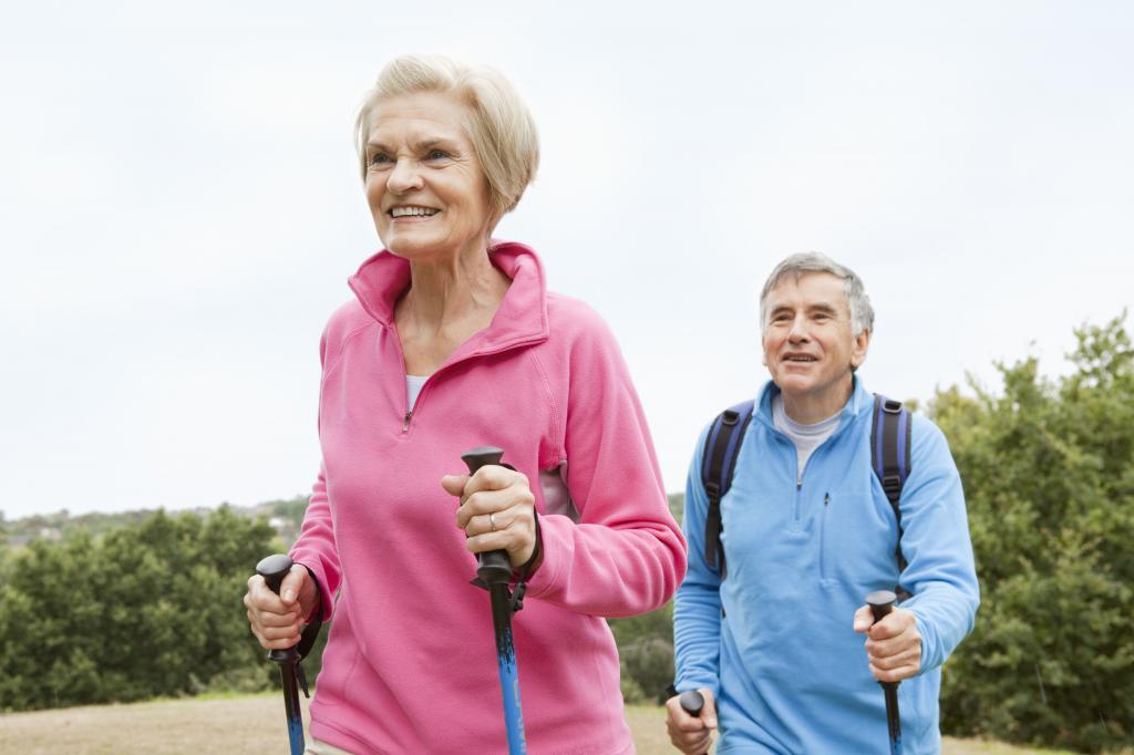 Что подарить пожилому человеку для спортивного отдыха