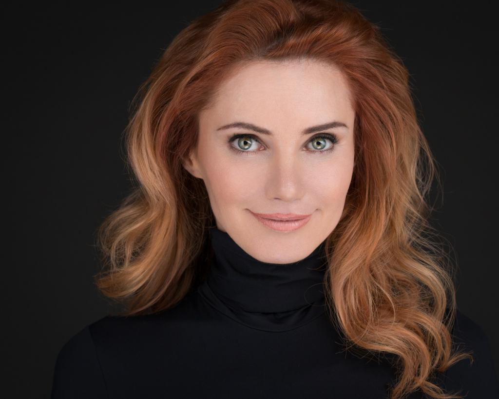 актрица Лора Резникова