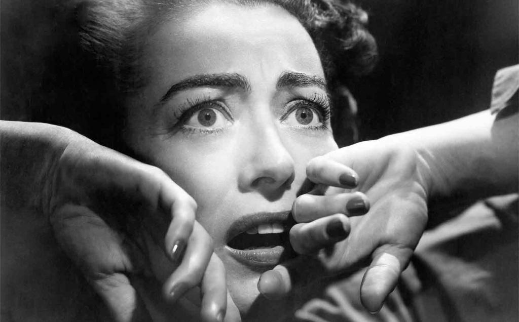 Женщина отчаянно боится