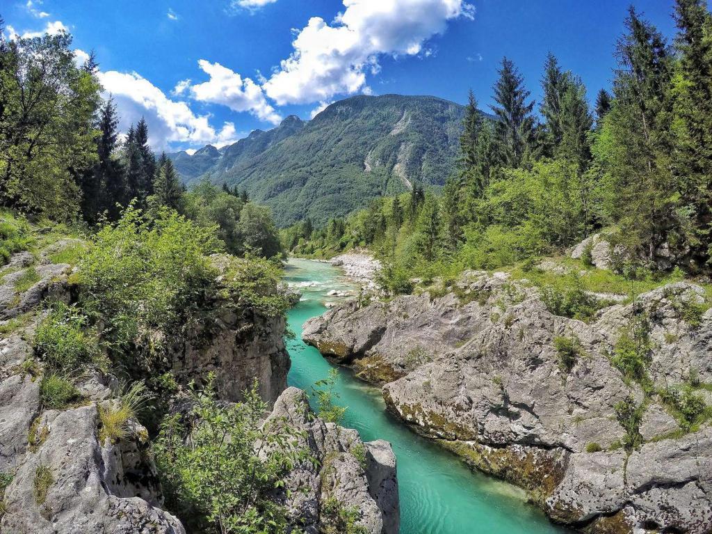 Долина реки Соча в Словении