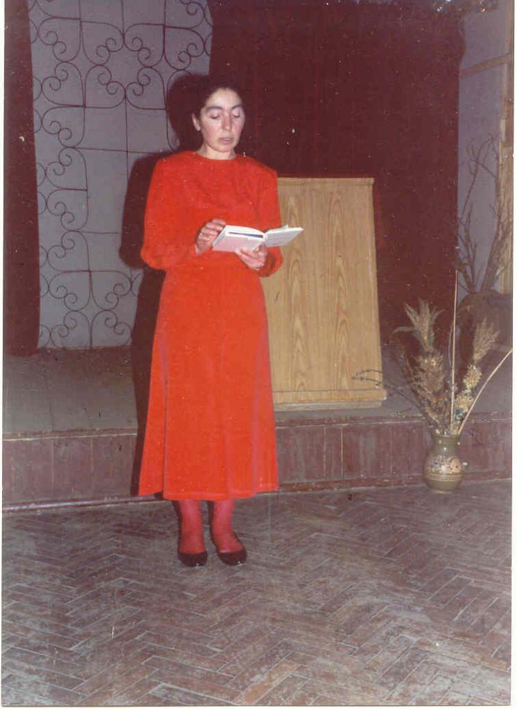 Поэтическое выступление Ларисы Миллер