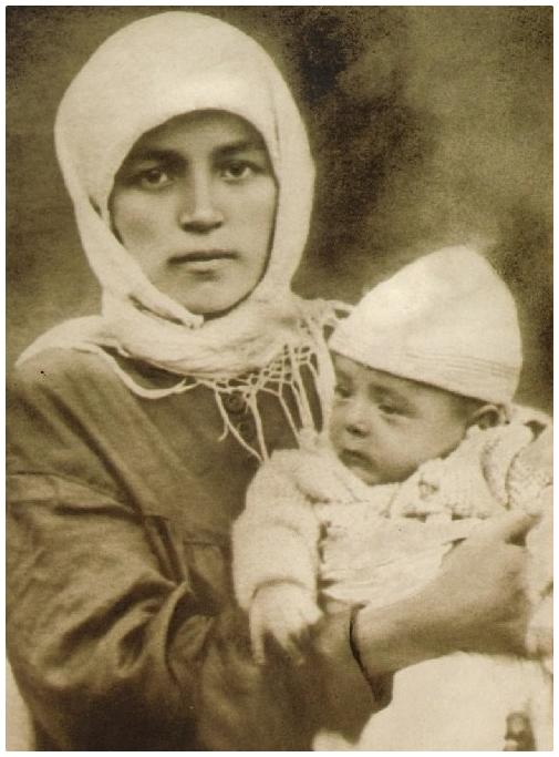 Хадия с сыном