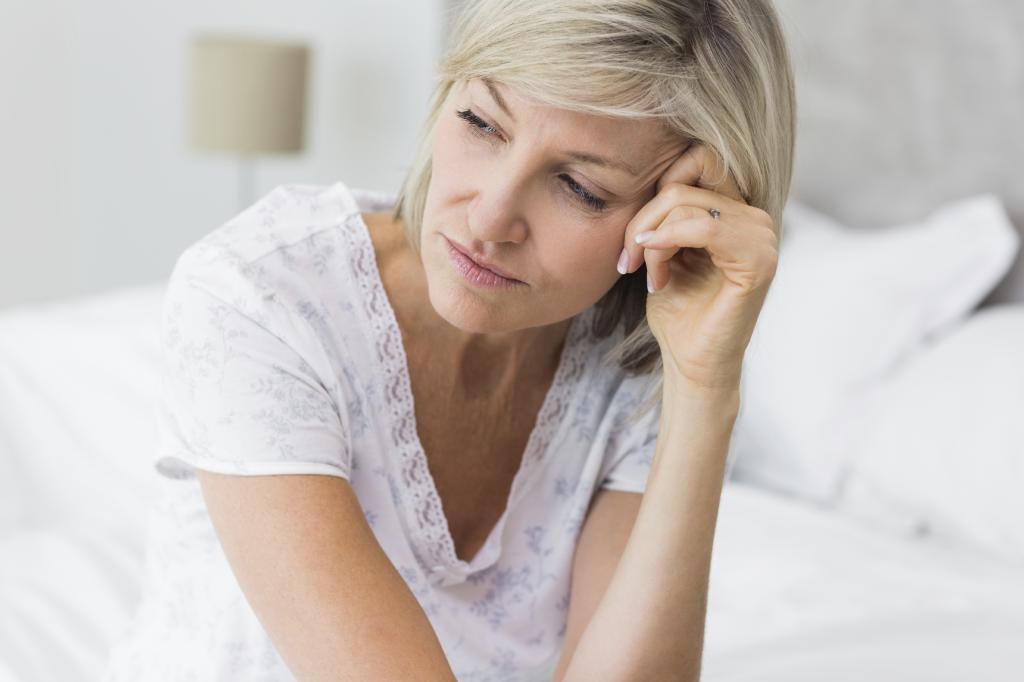 задержка месячных при климаксе симптомы