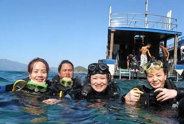 Подводное плавание на коралловых рифах в заливе Нячанг