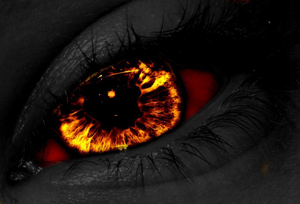 Огонь в глазах горит