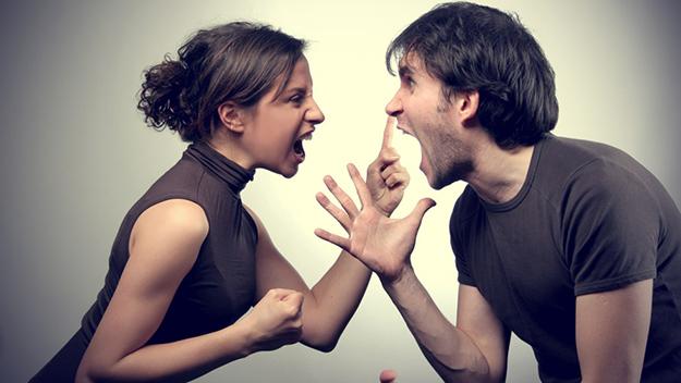 Супруги сильно ругаются
