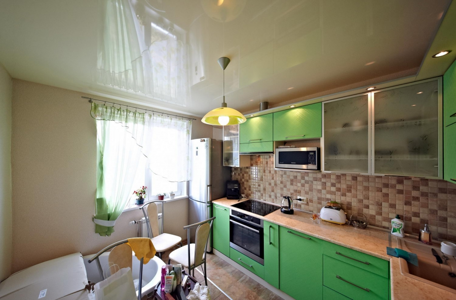 из какого материала сделать потолок в кухне