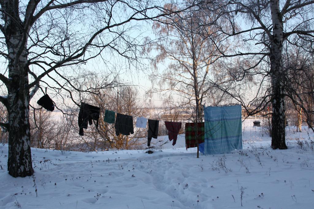 белье зимой