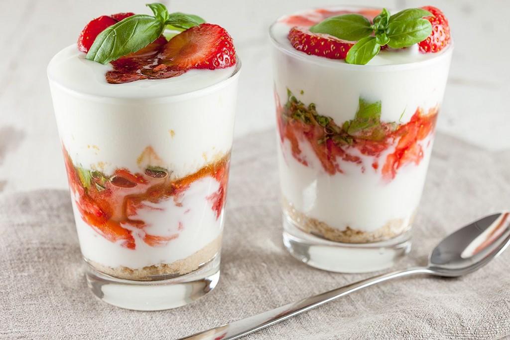 йогурт из клубники