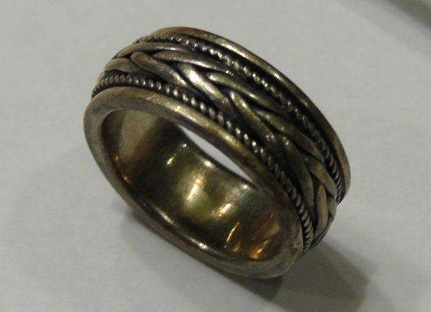 Потускневшее кольцо