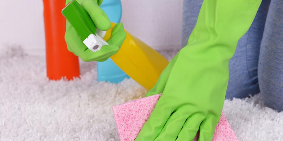 как отмыть зеленку с ковра если впиталась глубоко