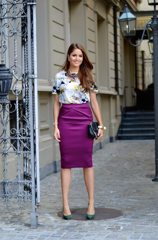 Фиолетовая юбка - карандаш