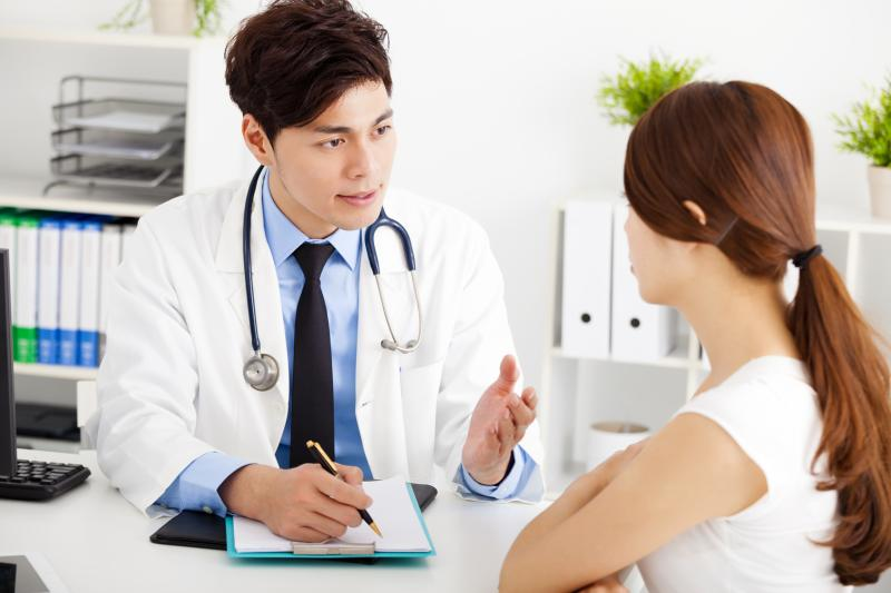 Беседа врача с пациенткой