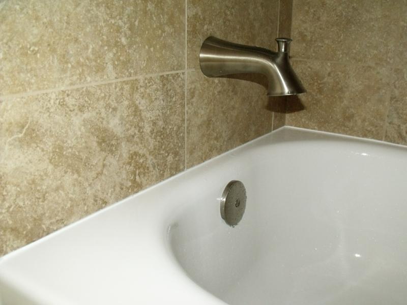 герметизация стыка ванны и стены