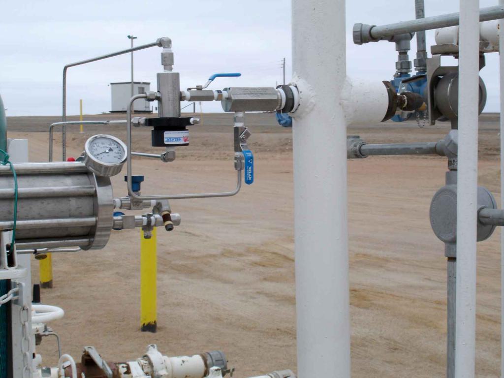 отбор проб нефтепродукта из трубопровода